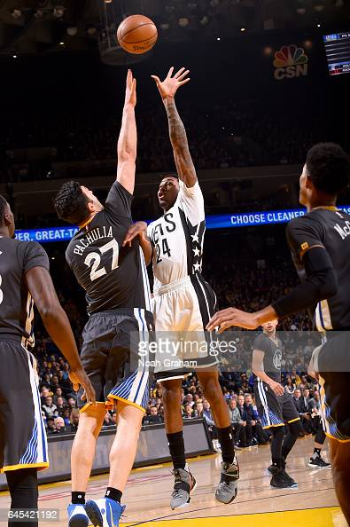Rondae HollisJefferson of the Brooklyn Nets shoots the ball against the Golden State Warriors on February 25 2017 at ORACLE Arena in Oakland...