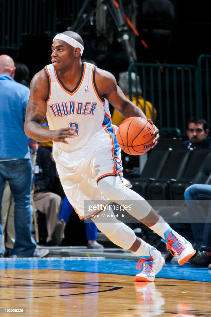 <a gi-track='captionPersonalityLinkClicked' href=/galleries/search?phrase=Ronnie+Brewer&family=editorial&specificpeople=710867 ng-click='$event.stopPropagation()'>Ronnie Brewer</a> #8 of the Oklahoma City Thunder controls the ball against the Utah Jazz on March 13, 2013 at the Chesapeake Energy Arena in Oklahoma City, Oklahoma.