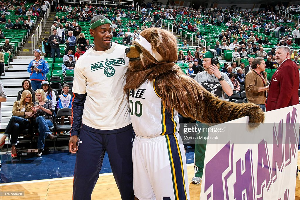 <a gi-track='captionPersonalityLinkClicked' href=/galleries/search?phrase=Ronnie+Brewer&family=editorial&specificpeople=710867 ng-click='$event.stopPropagation()'>Ronnie Brewer</a> #8 of the Oklahoma City Thunder greets Jazz Bear, mascot of the Utah Jazz, before a game at Energy Solutions Arena on April 9, 2013 in Salt Lake City, Utah.