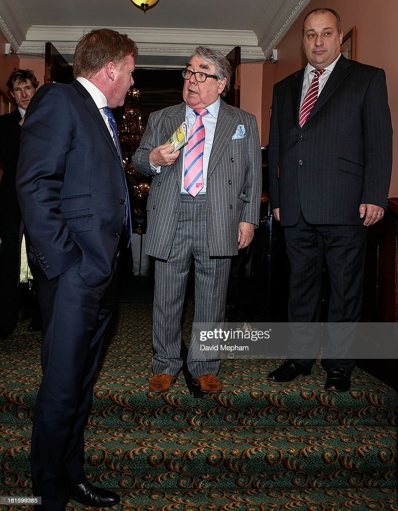 <a gi-track='captionPersonalityLinkClicked' href=/galleries/search?phrase=Ronnie+Corbett&family=editorial&specificpeople=160474 ng-click='$event.stopPropagation()'>Ronnie Corbett</a> attends the Oldie of the Year Awards at Simpsons in the Strand on February 12, 2013 in London, England.