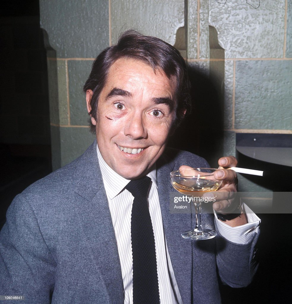 Ronnie Corbett Obe British Comedian And Actor Born Edinburgh Scotland And Member Of The Comedy Duo 'the Two Ronnies'