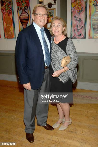 Ronnie Cresswell and Sheila Cresswell attend MICHELLEMARIE HEINEMANN and TERRI LINDVALL'S Lecture and Private Dinner to benefit the YORKVILLE COMMON...