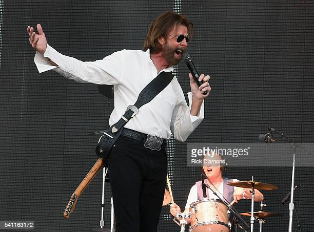 Ronnie Dunn of Brooks and Dunn performs during 2016 Windy City LakeShake Country Music Festival Day 2 at FirstMerit Bank Pavilion at Northerly Island...