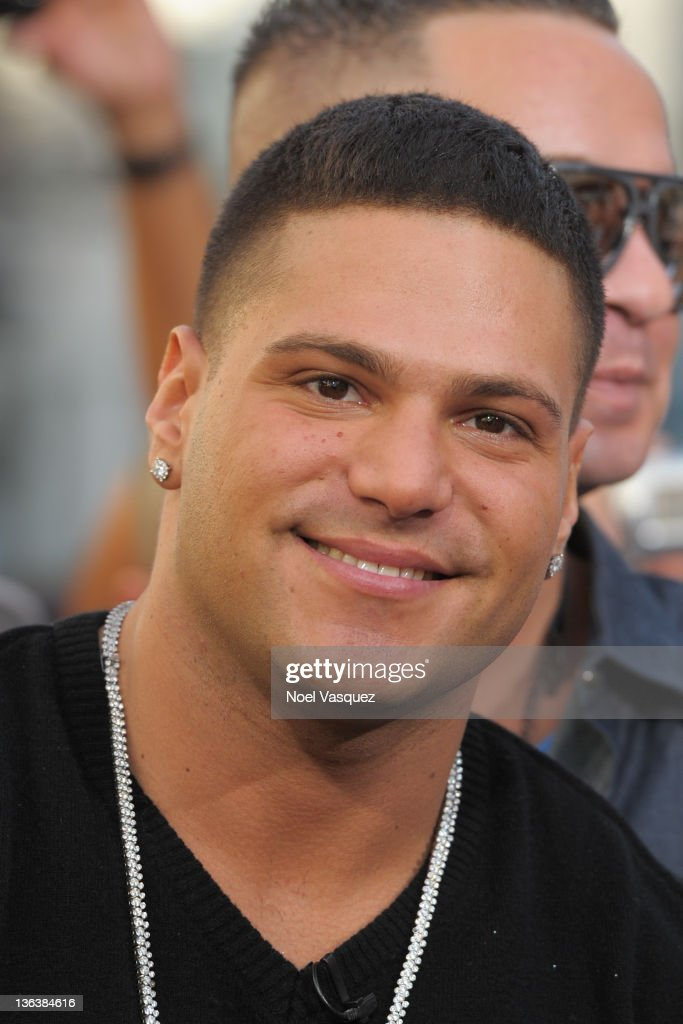 """Snookie, J Wow, and Jersey Shore Men On """"Extra"""""""