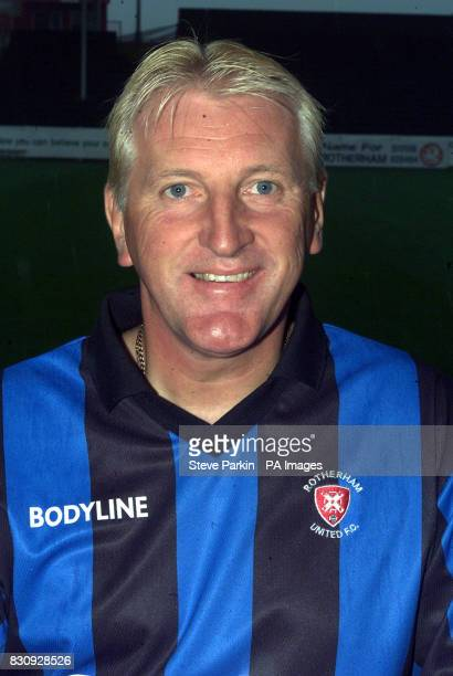 Ronnie Moore of Rotherham utd2002/2003 SEASON THIS PICTURE CAN ONLY BE USED WITHIN THE CONTEXT OF AN EDITORIAL FEATURE NO UNOFFICIAL CLUB WEBSITE USE