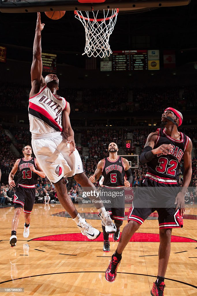 Ronnie Price #24 of the Portland Trail Blazers drives to the basket against Richard Hamilton #32 of the Chicago Bulls on November 18, 2012 at the Rose Garden Arena in Portland, Oregon.