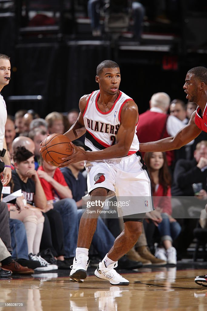<a gi-track='captionPersonalityLinkClicked' href=/galleries/search?phrase=Ronnie+Price&family=editorial&specificpeople=654750 ng-click='$event.stopPropagation()'>Ronnie Price</a> #24 of the Portland Trail Blazers looks to pass the ball against the Los Angeles Clippers on November 8, 2012 at the Rose Garden Arena in Portland, Oregon.