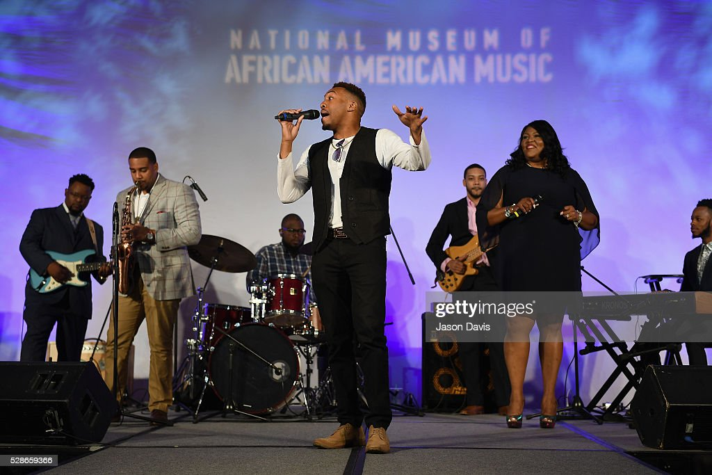 Ronnie Robertson performs onstage during NMAAM's Celebration Of Legends Red Carpet And Luncheon on May 6, 2016 in Nashville, Tennessee.