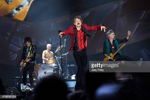 Ronnie Wood Charlie Watts Mick Jagger and Keith Richards of The Rolling Stones performs live onstage at The Indianapolis Motor Speedway on July 4...