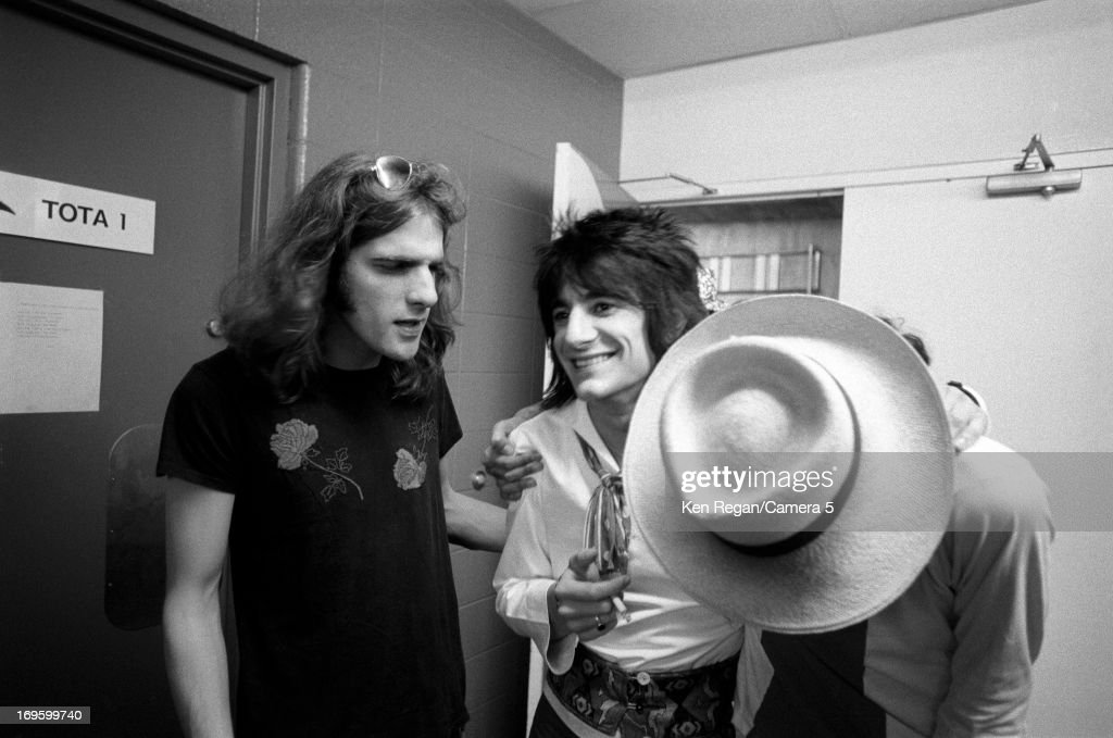 Ronnie Wood of the Rolling Stones is photographed backstage in June 1975 in San Antonio, Texas.