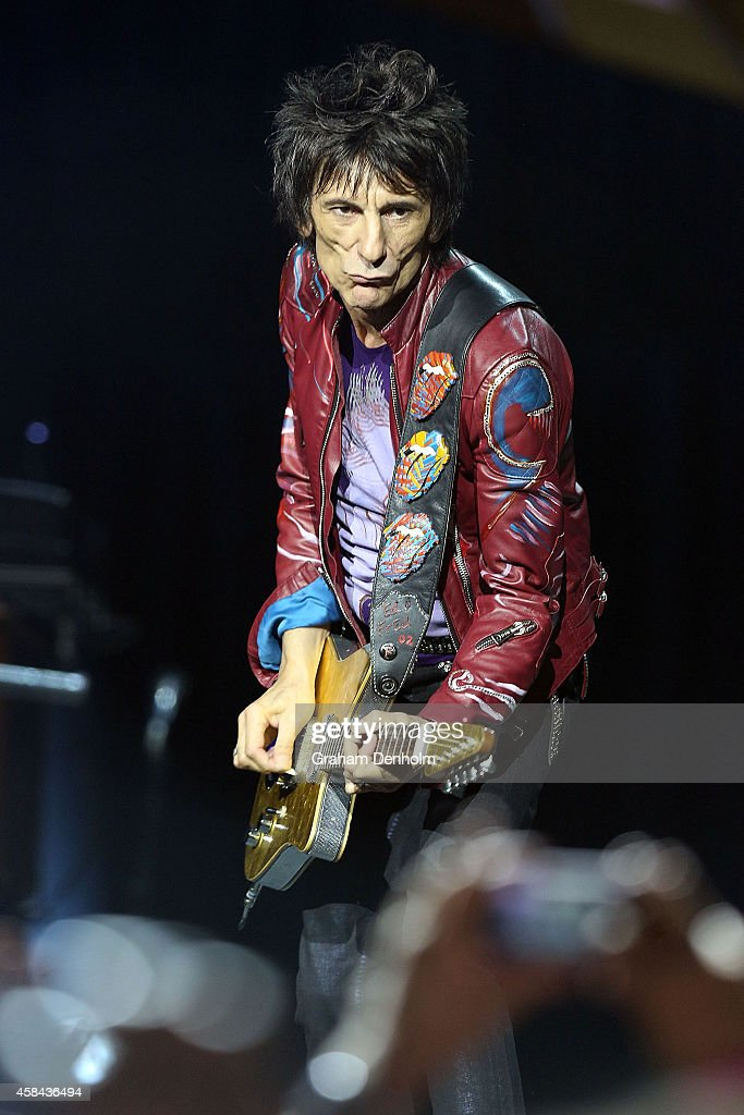 Ronnie Wood of The <a gi-track='captionPersonalityLinkClicked' href=/galleries/search?phrase=Rolling+Stones&family=editorial&specificpeople=85170 ng-click='$event.stopPropagation()'>Rolling Stones</a> performs live at Rod Laver Arena on November 5, 2014 in Melbourne, Australia.