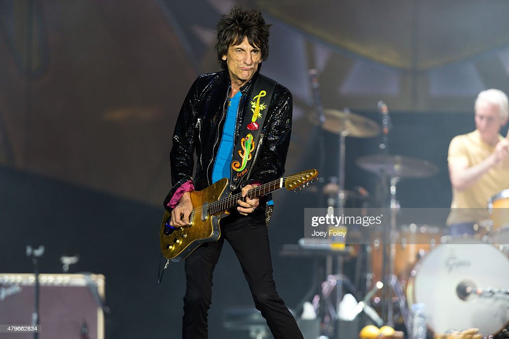Ronnie Wood of The Rolling Stones performs live onstage at The Indianapolis Motor Speedway on July 4, 2015 in Indianapolis, Indiana.