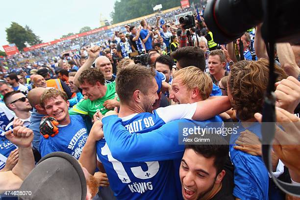 Ronny Koenig and Jan Rosenthal of Darmstadt celebrate after the Second Bundesliga match between SV Darmstadt 98 and FC St Pauli at Stadion am...