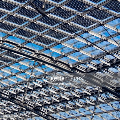 Roof construction of steel and glass : Stock-Foto