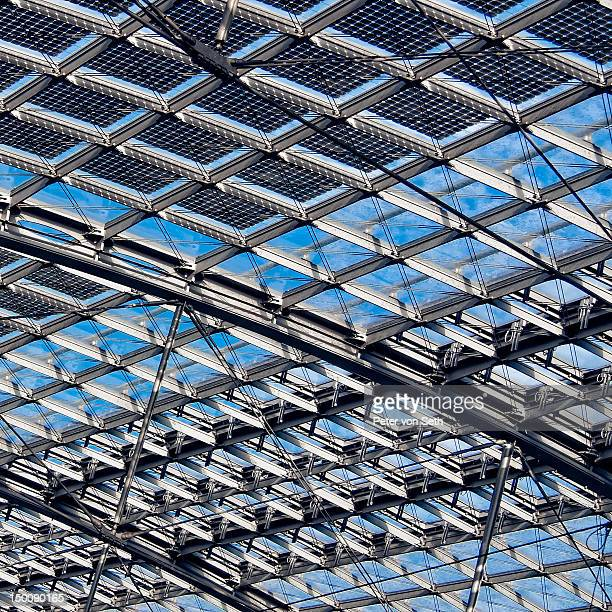 Roof construction of steel and glass
