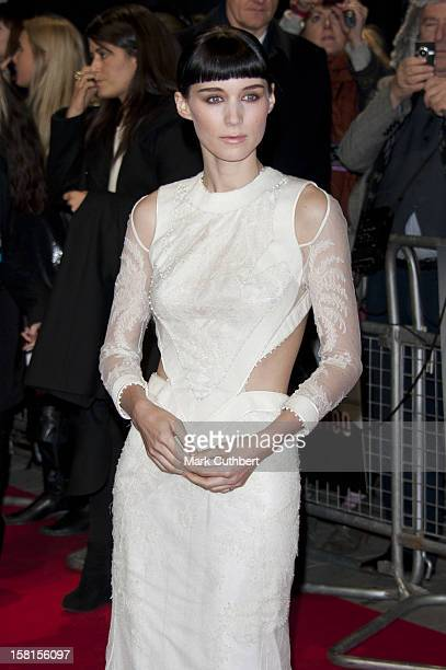 Rooney Mara Arriving For The World Premiere Of The Girl With The Dragon Tattoo At Odeon Leicester Square London