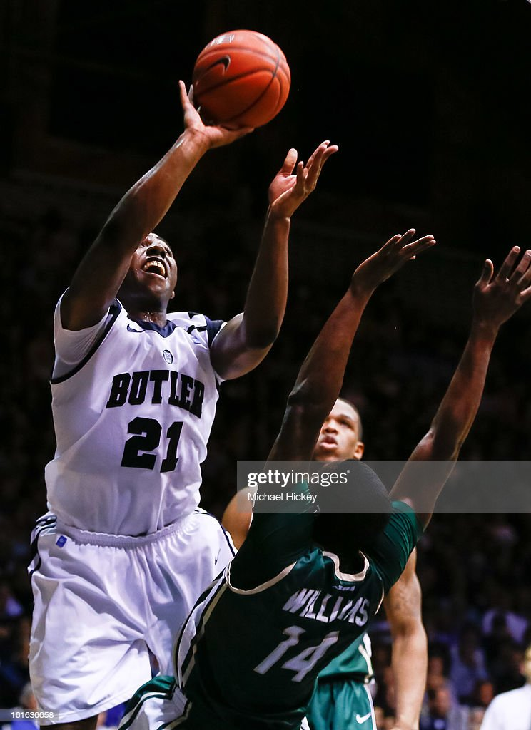 Roosevelt Jones #21 of the Butler Bulldogs shoots the ball over <a gi-track='captionPersonalityLinkClicked' href=/galleries/search?phrase=Terrence+Williams&family=editorial&specificpeople=666450 ng-click='$event.stopPropagation()'>Terrence Williams</a> #14 of the Charlotte 49ers at Hinkle Fieldhouse on February 13, 2013 in Indianapolis, Indiana. Charlotte defeated Butler 71-67.