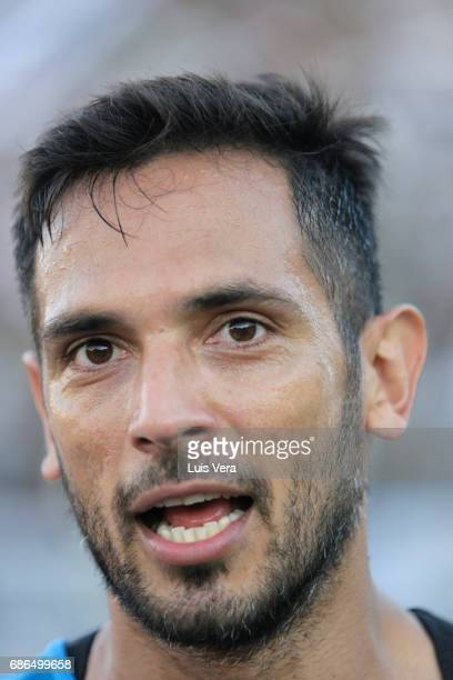 Roque Santa Cruz of Olimpia looks on during a match between Olimpia and Cerro Porteño as part of the 17th round of Torneo Apertura 2017 at Defensores...