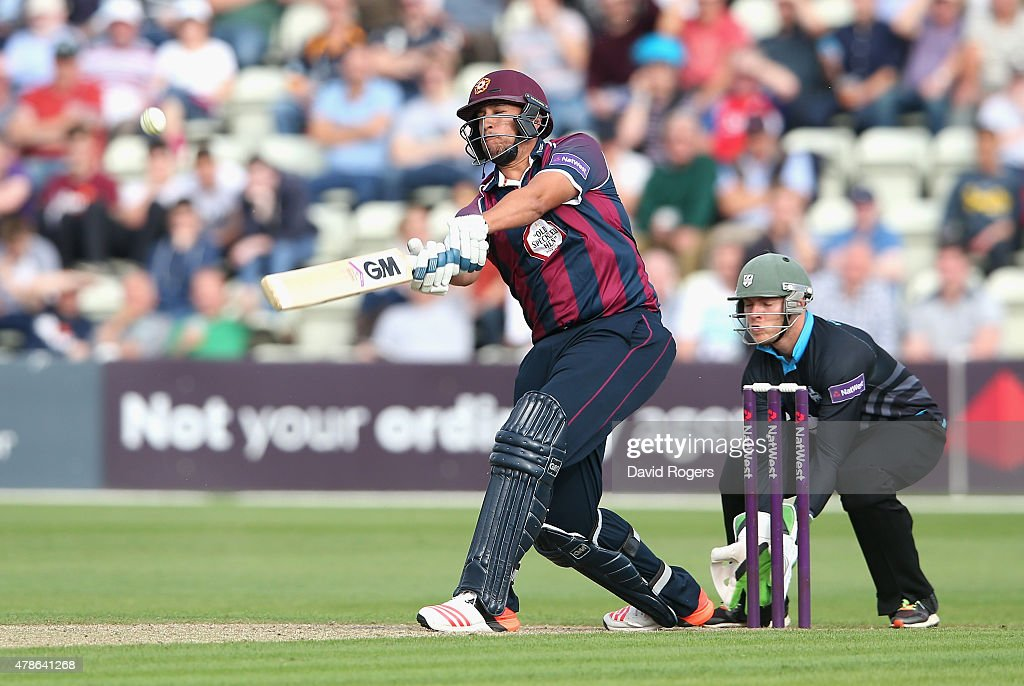 <a gi-track='captionPersonalityLinkClicked' href=/galleries/search?phrase=Rory+Kleinveldt&family=editorial&specificpeople=5434578 ng-click='$event.stopPropagation()'>Rory Kleinveldt</a> of Northamptonshire hits a six during the NatWest T20 Blast match between Worcestershire Rapids and Northamptonshire Steelbacks at New Road on June 26, 2015 in Worcester, England.