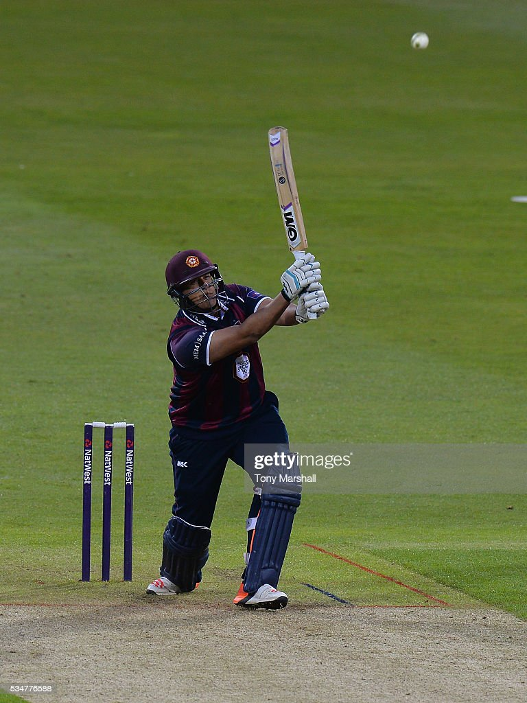 <a gi-track='captionPersonalityLinkClicked' href=/galleries/search?phrase=Rory+Kleinveldt&family=editorial&specificpeople=5434578 ng-click='$event.stopPropagation()'>Rory Kleinveldt</a> of Northamptonshire hits a six during the NatWest T20 Blast match between Northamptonshire and Derbyshire at The County Ground on May 27, 2016 in Northampton, England.