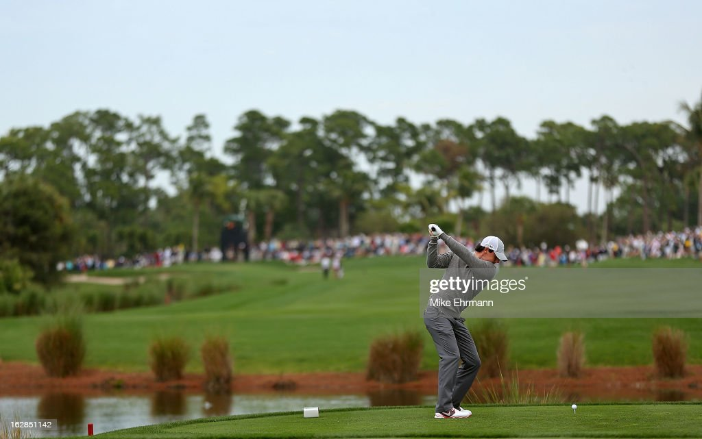 Rory McIlroy of Northern Ireland hits his tee shot on the sixth hole during the first round of the Honda Classic at PGA National Resort and Spa on February 28, 2013 in Palm Beach Gardens, Florida.