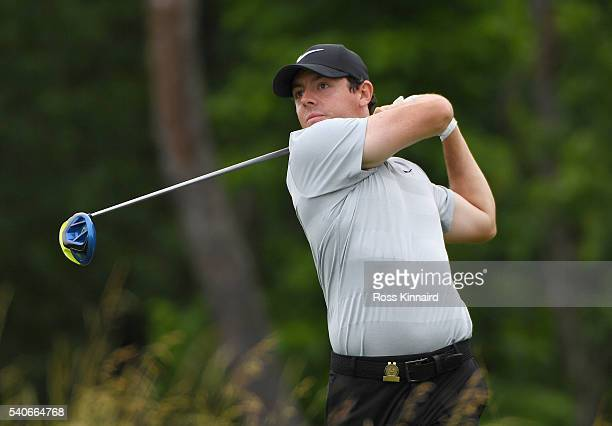 Rory McIlroy of Northern Ireland plays his shot from the fourth tee during the first round of the US Open at Oakmont Country Club on June 16 2016 in...