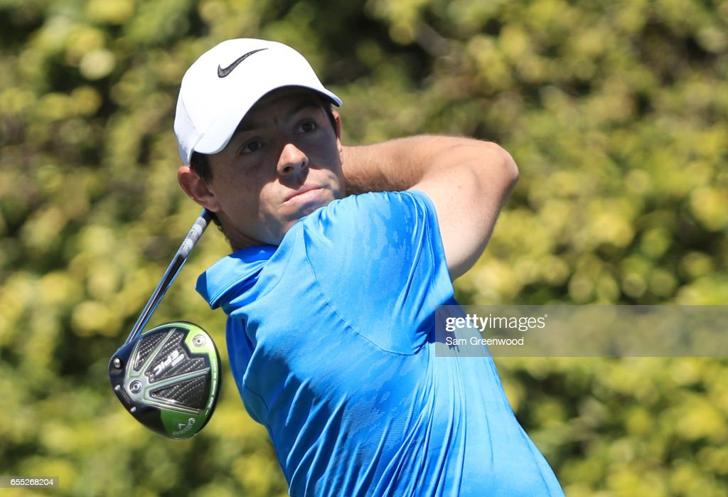 Rory McIlroy of Northern Ireland plays his shot from the ninth tee during the final round of the Arnold Palmer Invitational Presented By MasterCard at Bay Hill Club and Lodge on March 19, 2017 in Orlando, Florida.