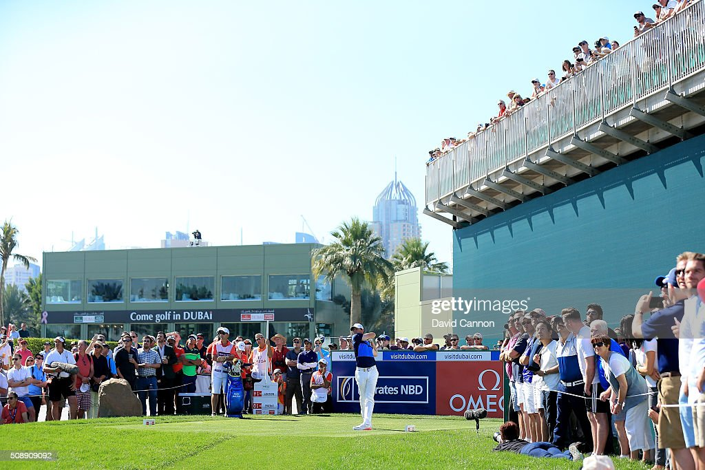 <a gi-track='captionPersonalityLinkClicked' href=/galleries/search?phrase=Rory+McIlroy&family=editorial&specificpeople=783109 ng-click='$event.stopPropagation()'>Rory McIlroy</a> of Northern Ireland plays his tee shot at the par 4, 17th hole during the final round of the 2016 Omega Dubai Desert Classic on the Majlis Course at the Emirates Golf Club on February 7, 2016 in Dubai, United Arab Emirates.