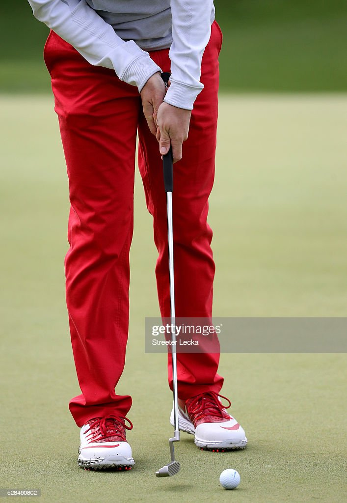 <a gi-track='captionPersonalityLinkClicked' href=/galleries/search?phrase=Rory+McIlroy&family=editorial&specificpeople=783109 ng-click='$event.stopPropagation()'>Rory McIlroy</a> putts the ball on the 14th hole during the first round of the 2016 Wells Fargo Championship at Quail Hollow Club on May 5, 2016 in Charlotte, North Carolina.