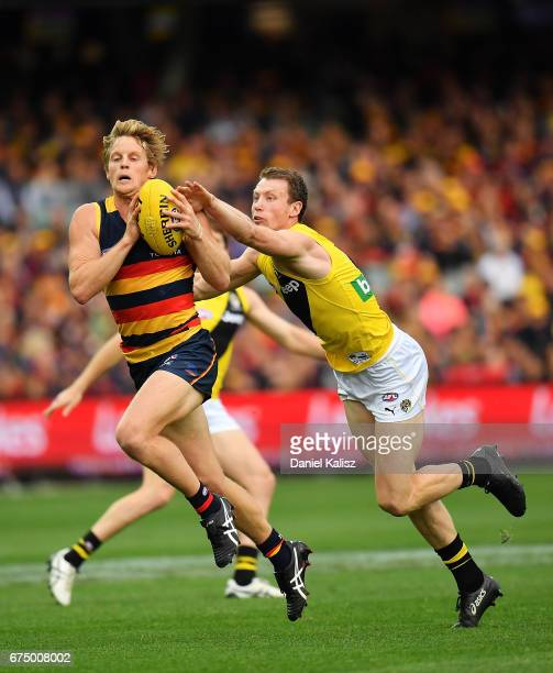 Rory Sloane of the Crows marks the ball during the round six AFL match between the Adelaide Crows and the Richmond Tigers at Adelaide Oval on April...