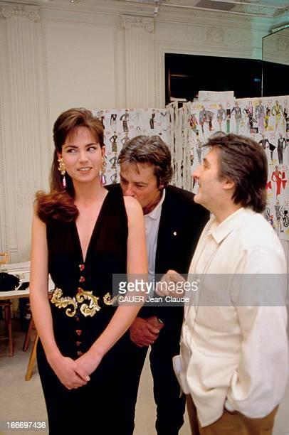 Rosalie Van Bremen Model For Ungaro Rosalie VAN BREMEN mannequin pour Emanuel UNGARO présentant sa collection haute couture PrintempsEté 1993 Rosalie...