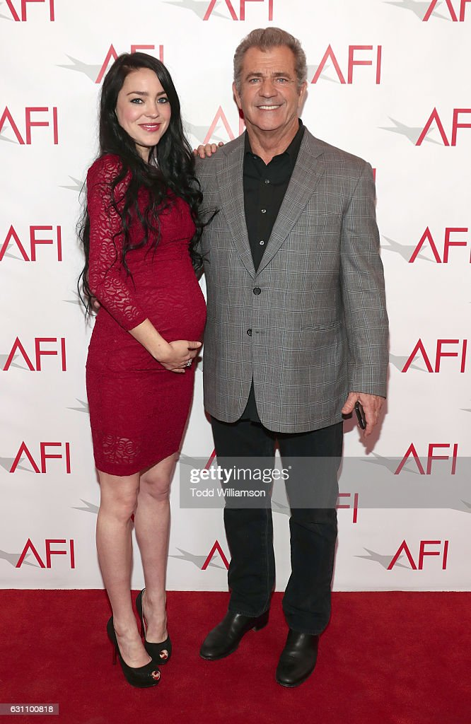 rosalind-ross-and-mel-gibson-attend-the-17th-annual-afi-awards-at-picture-id631100818