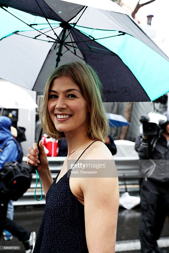 <a gi-track='captionPersonalityLinkClicked' href=/galleries/search?phrase=Rosamund+Pike&family=editorial&specificpeople=208910 ng-click='$event.stopPropagation()'>Rosamund Pike</a>, actor, on the grid during the Monaco Formula One Grand Prix at Circuit de Monaco on May 29, 2016 in Monte-Carlo, Monaco.