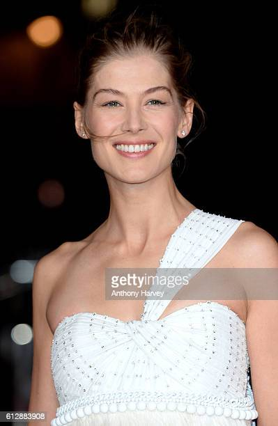 Rosamund Pike attends the 'A United Kingdom' Opening Night Gala screening during the 60th BFI London Film Festival at Odeon Leicester Square on...