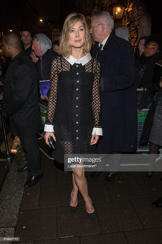 <a gi-track='captionPersonalityLinkClicked' href=/galleries/search?phrase=Rosamund+Pike&family=editorial&specificpeople=208910 ng-click='$event.stopPropagation()'>Rosamund Pike</a> attends the Charles Finch Pre-BAFTA party at Annabel's on February 13, 2016 in London, England.