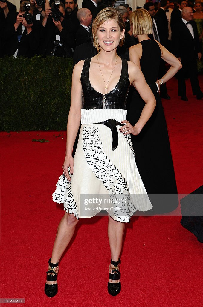 Rosamund Pike attends the 'Charles James: Beyond Fashion' Costume Institute Gala at the Metropolitan Museum of Art on May 5, 2014 in New York City.
