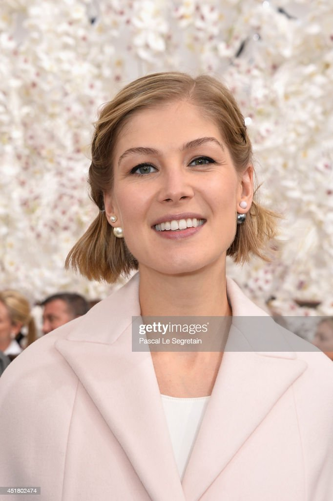 <a gi-track='captionPersonalityLinkClicked' href=/galleries/search?phrase=Rosamund+Pike&family=editorial&specificpeople=208910 ng-click='$event.stopPropagation()'>Rosamund Pike</a> attends the Christian Dior show as part of Paris Fashion Week - Haute Couture Fall/Winter 2014-2015 on July 7, 2014 in Paris, France.