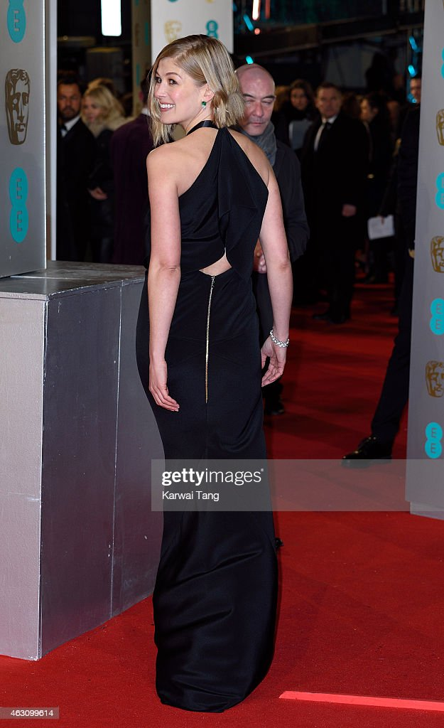 Rosamund Pike attends the EE British Academy Film Awards at The Royal Opera House on February 8, 2015 in London, England.