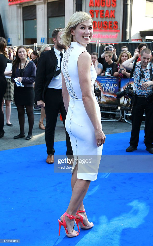 <a gi-track='captionPersonalityLinkClicked' href=/galleries/search?phrase=Rosamund+Pike&family=editorial&specificpeople=208910 ng-click='$event.stopPropagation()'>Rosamund Pike</a> attends the World film Premiere of 'The World's End' at The Empire Cinema on July 10, 2013 in London, England.