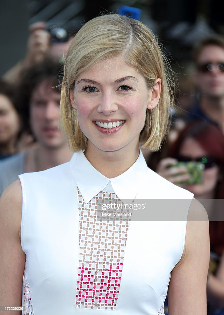 <a gi-track='captionPersonalityLinkClicked' href=/galleries/search?phrase=Rosamund+Pike&family=editorial&specificpeople=208910 ng-click='$event.stopPropagation()'>Rosamund Pike</a> attends the World Premiere of 'The World's End' at Empire Leicester Square on July 10, 2013 in London, England.