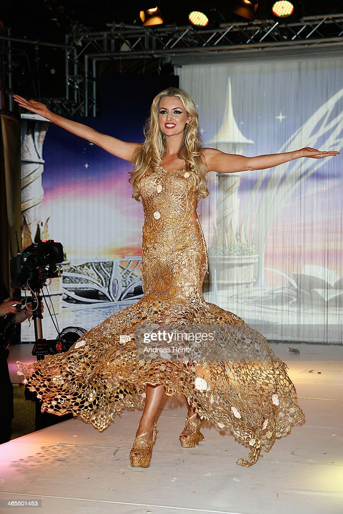 Rosanna Davison attends the Lambertz Monday Night at Alter Wartesaal on January 27, 2014 in Cologne, Germany.