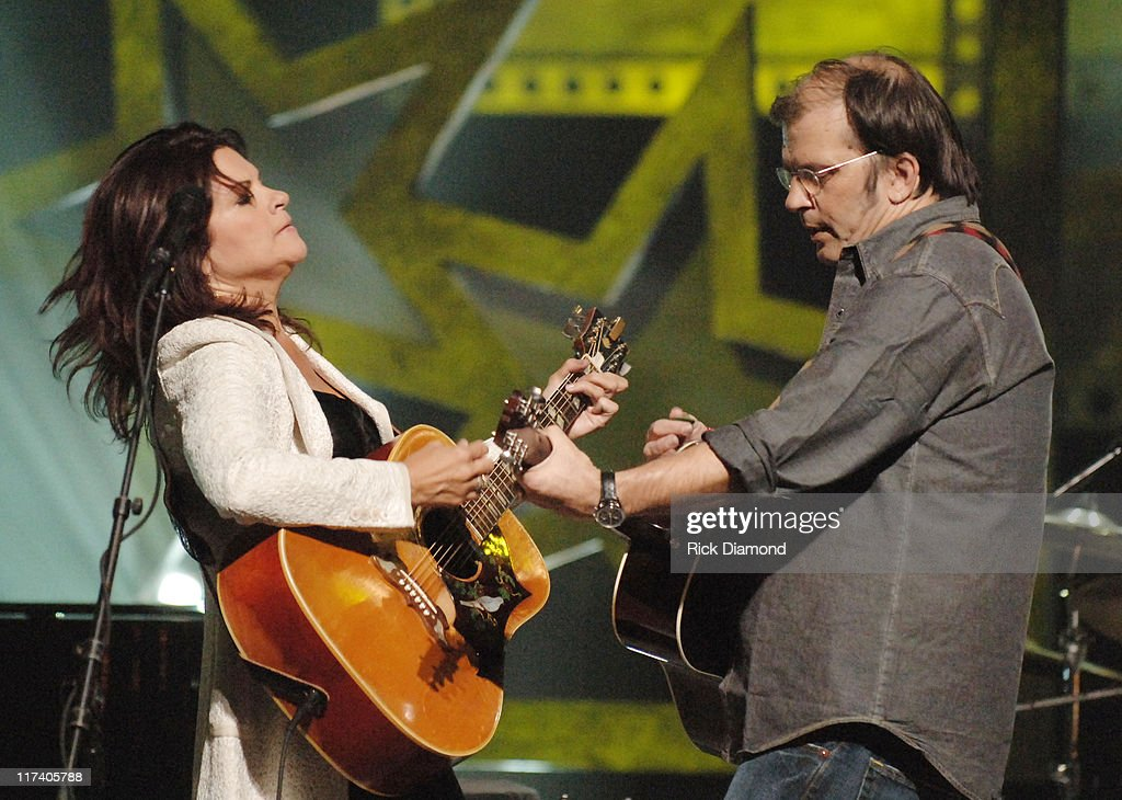 CMT CROSSROADS - Steve Earle and Rosanne Cash Taping - Airing September 15, 2006