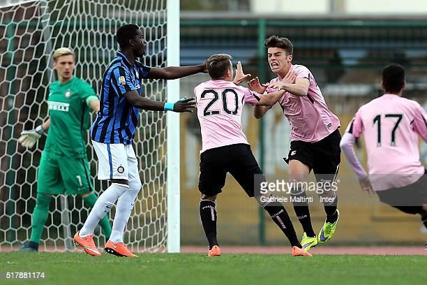 Rosario Damiano Maddaloni of US Citta di Palermo celebrates after scoring a goal during the Viareggio Juvenile Tournament match between FC...