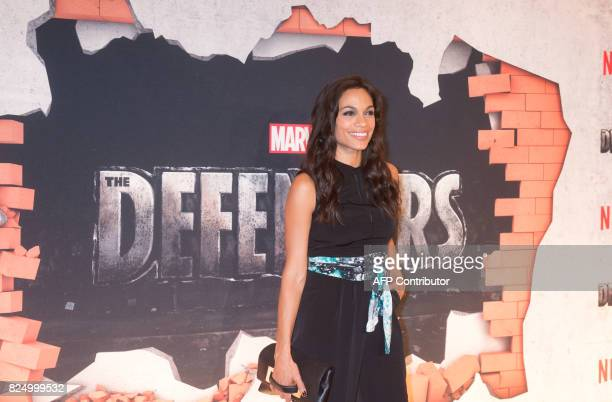 Rosario Dawson arrives for the Netflix premiere of Marvel's 'The Defenders' on July 31 2017 in New York / AFP PHOTO / Bryan R Smith