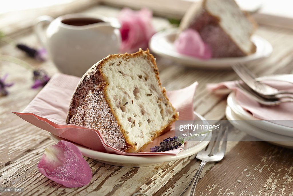 Rose and Lavender Sponge Cake : Stock Photo