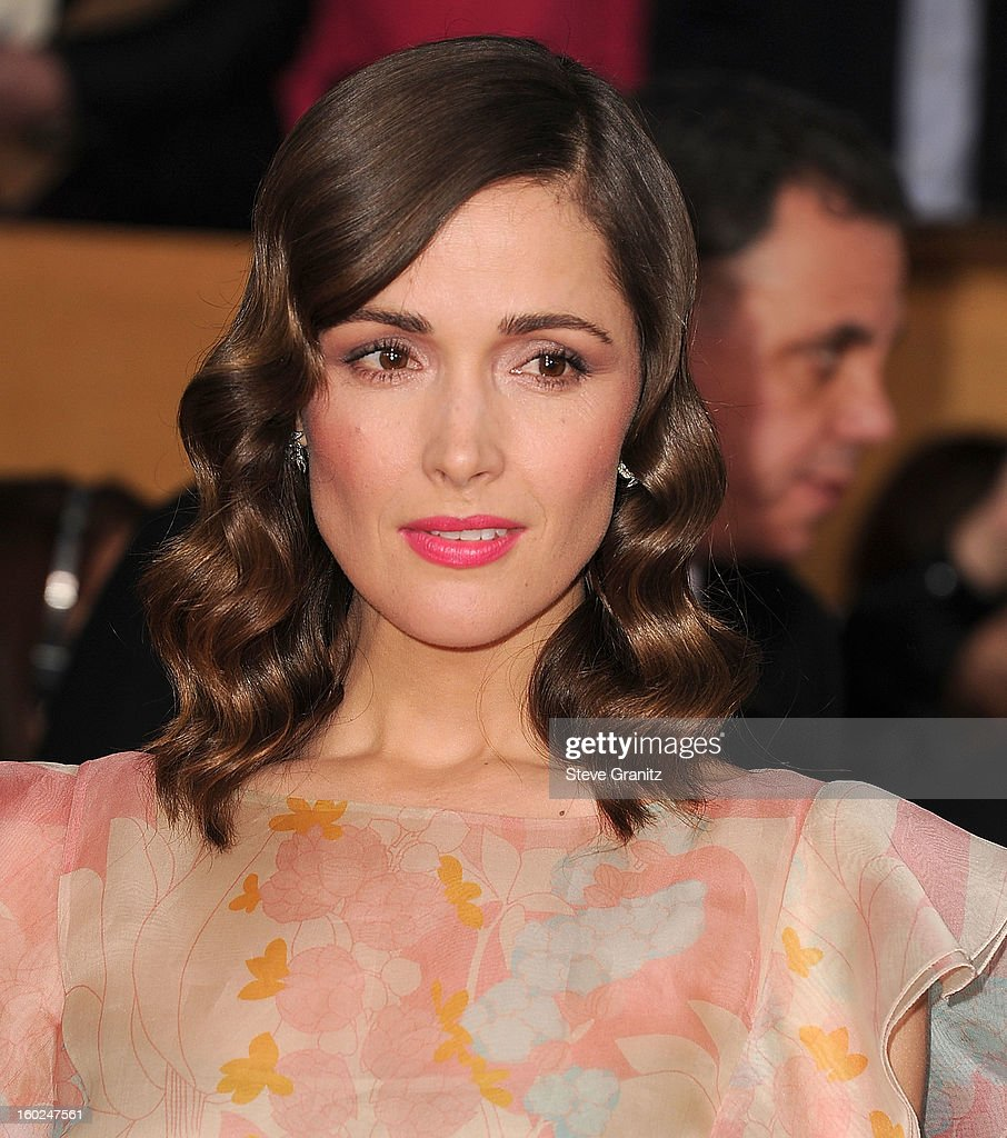 Rose Byrne arrives at the 19th Annual Screen Actors Guild Awards at The Shrine Auditorium on January 27, 2013 in Los Angeles, California.