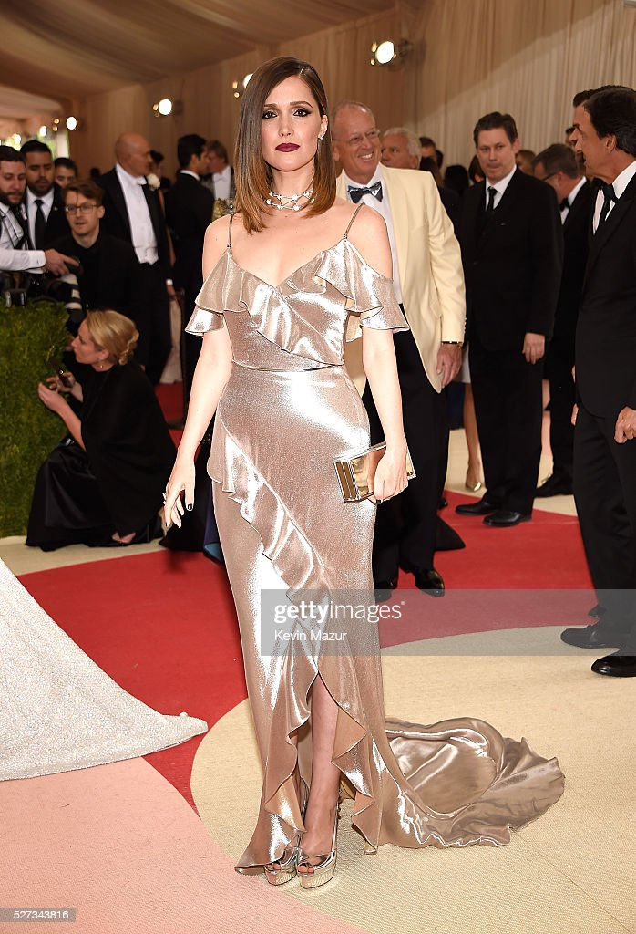 Rose Byrne attends 'Manus x Machina: Fashion In An Age Of Technology' Costume Institute Gala at Metropolitan Museum of Art on May 2, 2016 in New York City.