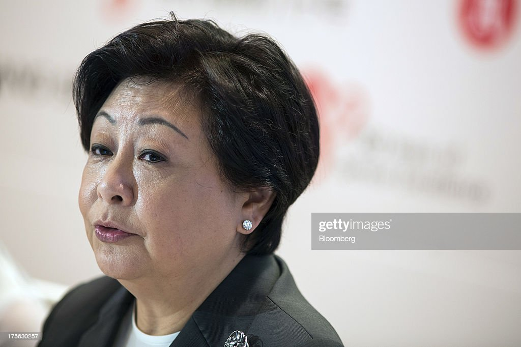Rose Lee, vice chairman and chief executive officer of Hang Seng Bank Ltd., speaks during a news conference in Hong Kong, China, on Monday, Aug. 5, 2013. Hang Seng Bank, the Hong Kong lender controlled by HSBC Holdings Plc, said first-half profit doubled to a record, beating the highest estimate in a survey on a one-time accounting gain and higher loan and fee income. Photographer: Lam Yik Fei/ Bloomberg