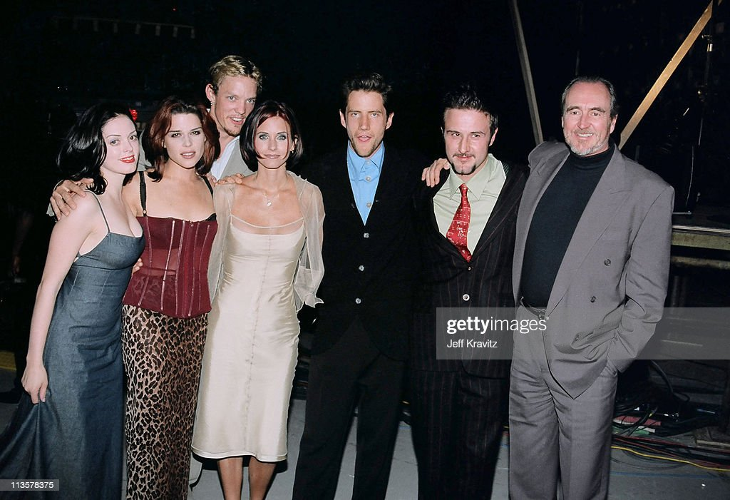 <a gi-track='captionPersonalityLinkClicked' href=/galleries/search?phrase=Rose+McGowan&family=editorial&specificpeople=206451 ng-click='$event.stopPropagation()'>Rose McGowan</a>, <a gi-track='captionPersonalityLinkClicked' href=/galleries/search?phrase=Neve+Campbell&family=editorial&specificpeople=202239 ng-click='$event.stopPropagation()'>Neve Campbell</a>, Matthew Lilard, <a gi-track='captionPersonalityLinkClicked' href=/galleries/search?phrase=Courteney+Cox&family=editorial&specificpeople=203101 ng-click='$event.stopPropagation()'>Courteney Cox</a>, <a gi-track='captionPersonalityLinkClicked' href=/galleries/search?phrase=Jamie+Kennedy&family=editorial&specificpeople=206976 ng-click='$event.stopPropagation()'>Jamie Kennedy</a>, <a gi-track='captionPersonalityLinkClicked' href=/galleries/search?phrase=David+Arquette&family=editorial&specificpeople=201740 ng-click='$event.stopPropagation()'>David Arquette</a> and <a gi-track='captionPersonalityLinkClicked' href=/galleries/search?phrase=Wes+Craven&family=editorial&specificpeople=757035 ng-click='$event.stopPropagation()'>Wes Craven</a>