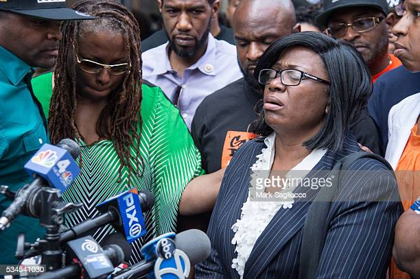 Rose McPhatter mother of shooting victim Ronald McPhatter attends the National AntiViolence Community Press Conference at Irving Plaza on May 26 2016...